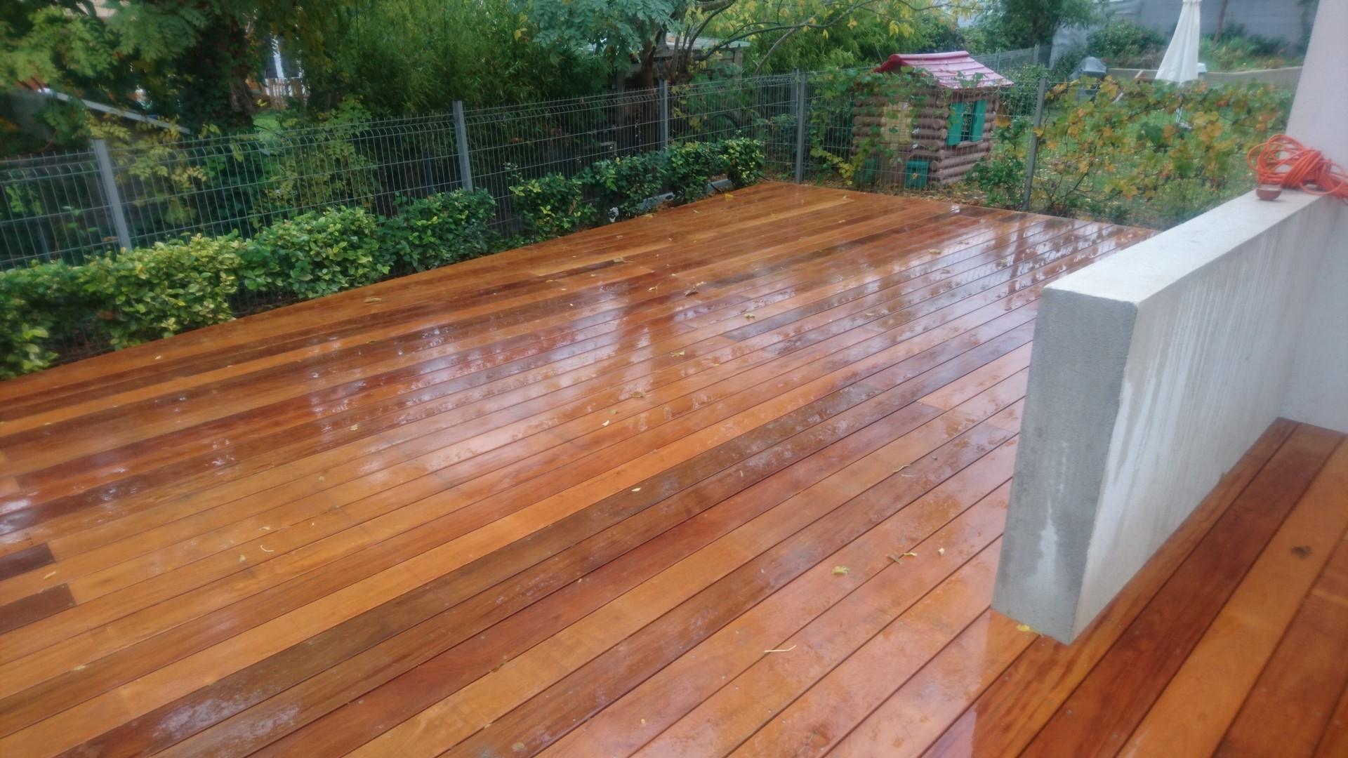 Terrasse En Bois Exotique terrasse bois garapa à pertuis sur lambourdes bois exotiques