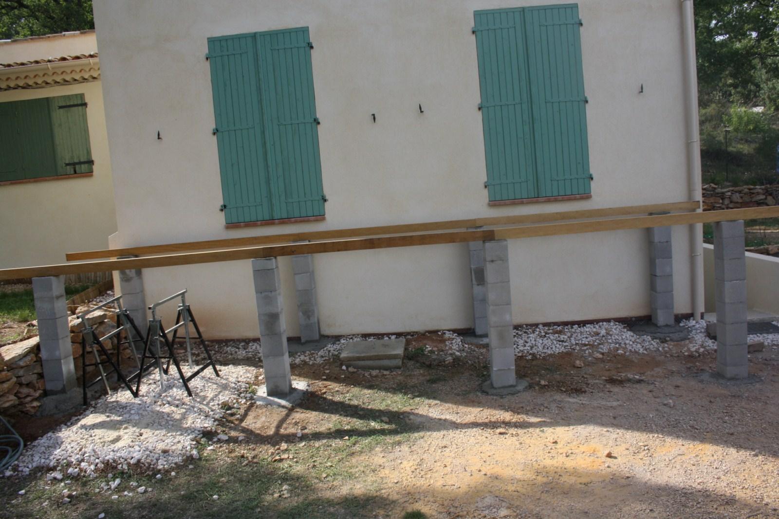 Poteau Bois Pour Terrasse réalisation d'une terrasse en bois exotique ipe sur piliers